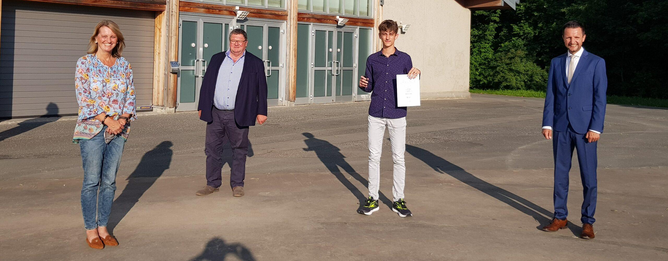 Ehrennadel in Gold für Tobias Kolb
