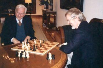 Dr. Helmut Pfleger zu Besuch bei Bundespräsident Richard von Weizsäcker im Dezember 1993